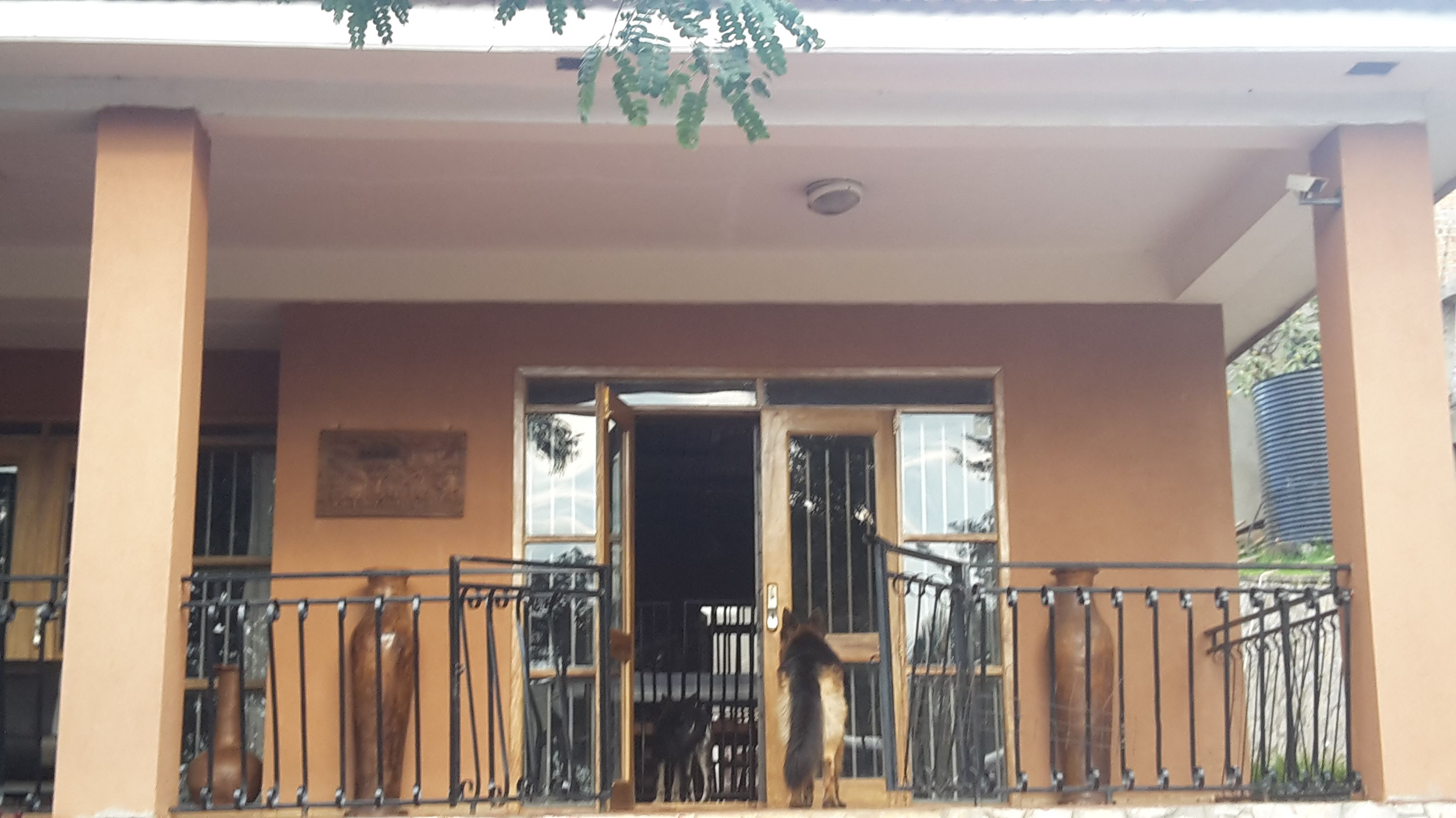Four Bedroom House with Swimming Pool, Buziga Swimming