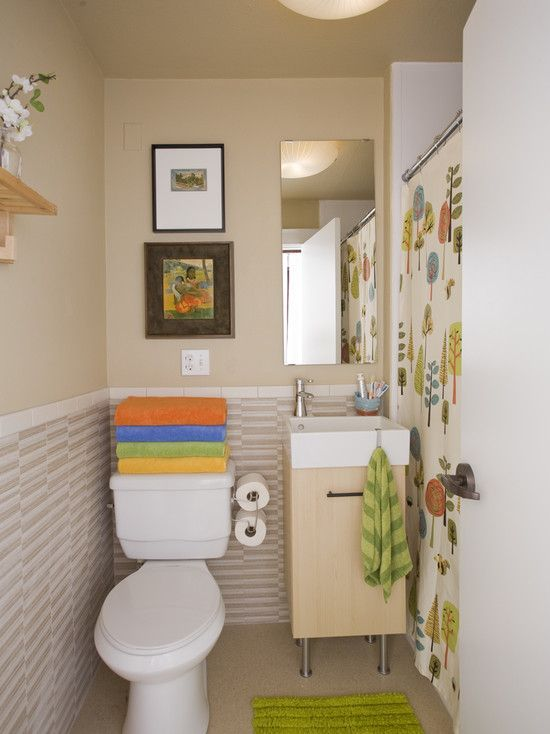Bright Towels Coordinating With A Patterned Shower Curtain Great - Bright bath towels for small bathroom ideas