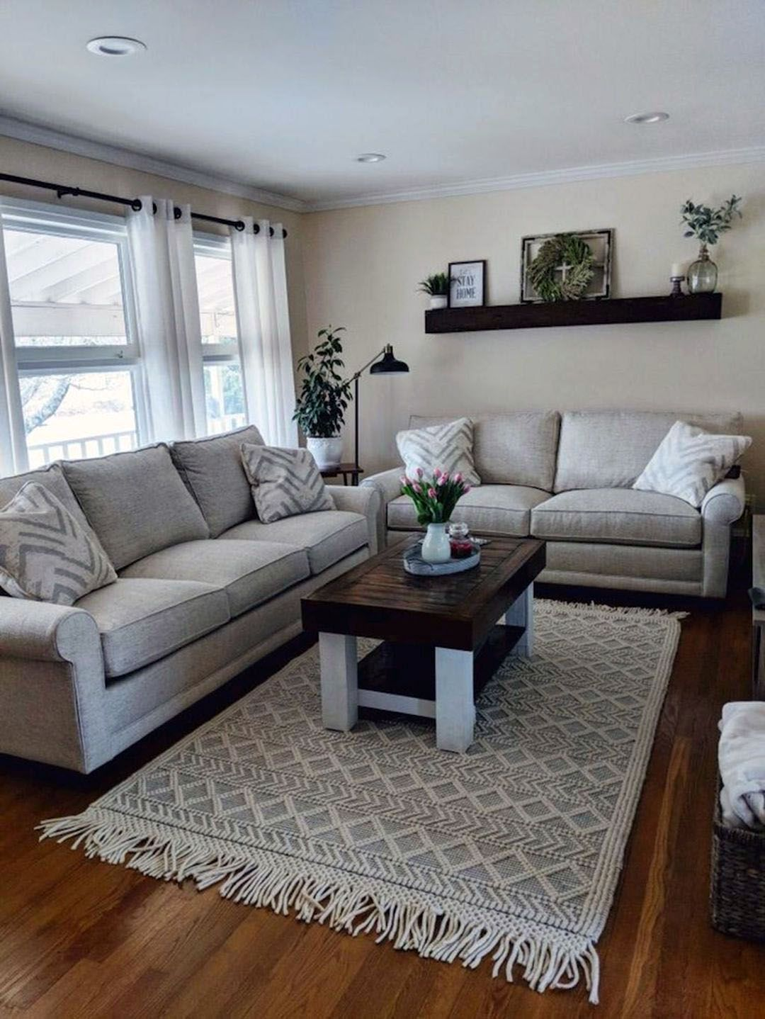 Tiny Residing Space Ideas Just How To Adorn A Cosy And