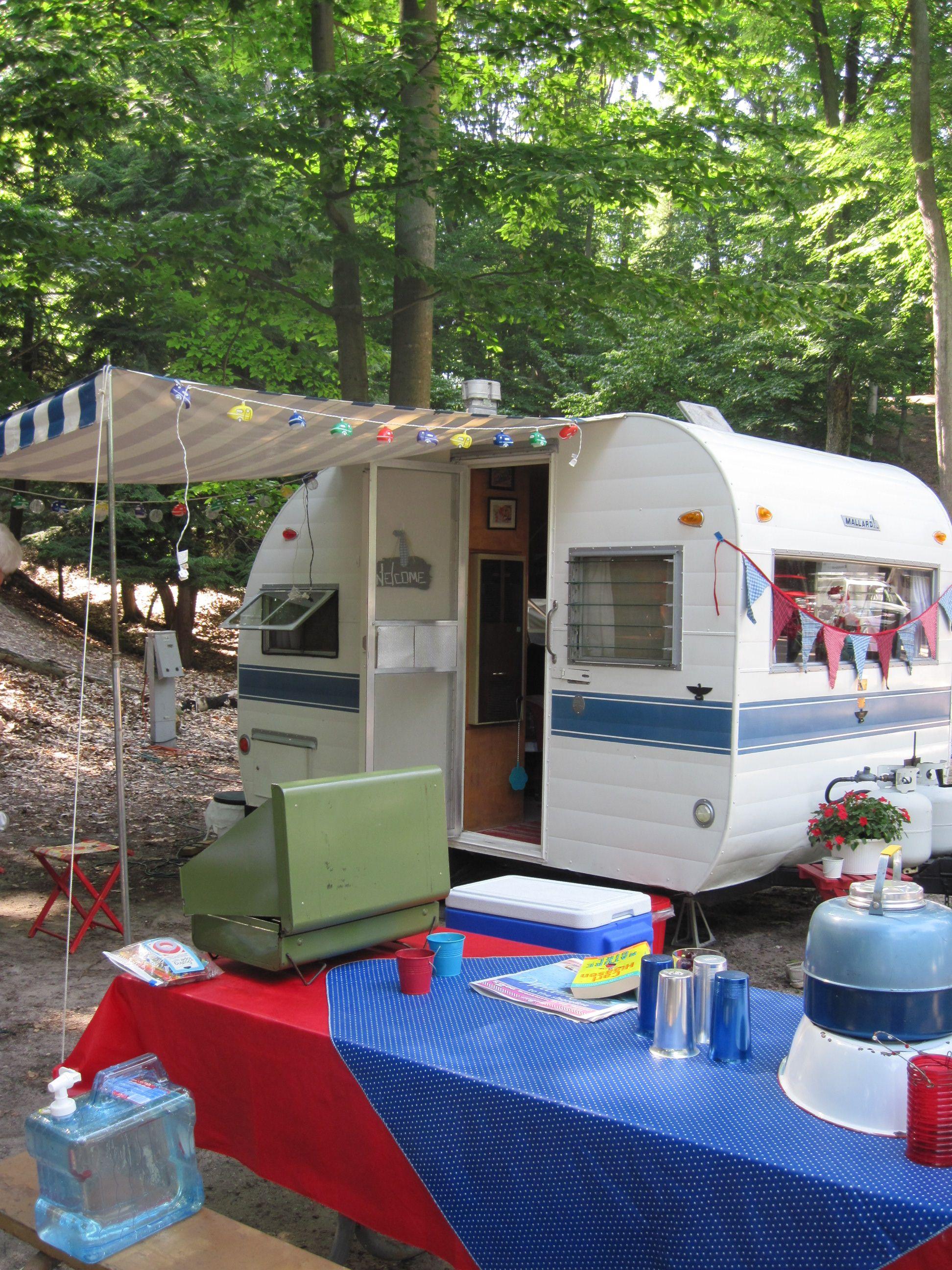 Loyalorderoftheglamper Com Travel Trailer Camping Vintage Camper Vintage Campers Trailers
