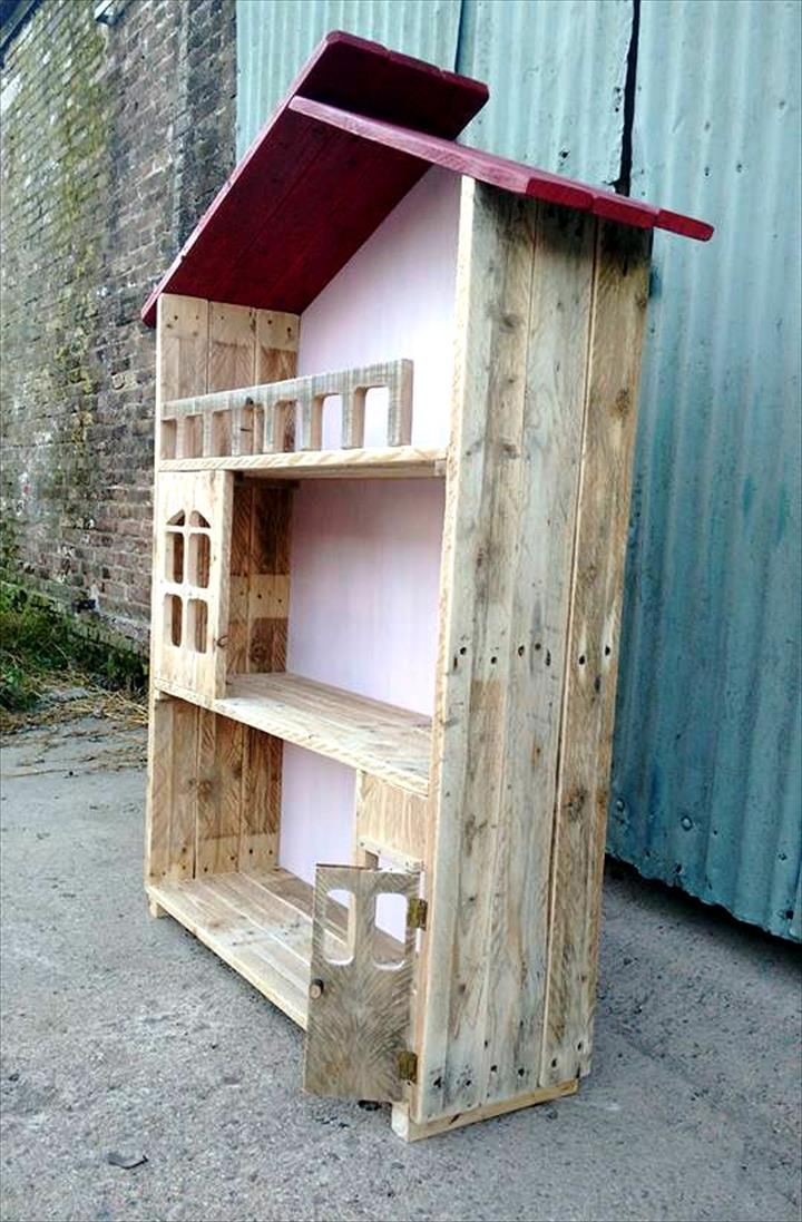 Upcycled Pallet Doll House Design