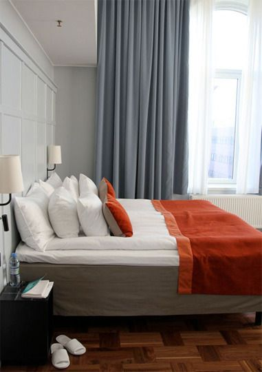 Scandinavian Style Two Duvets On One, Can I Use A King Duvet On Queen Bed