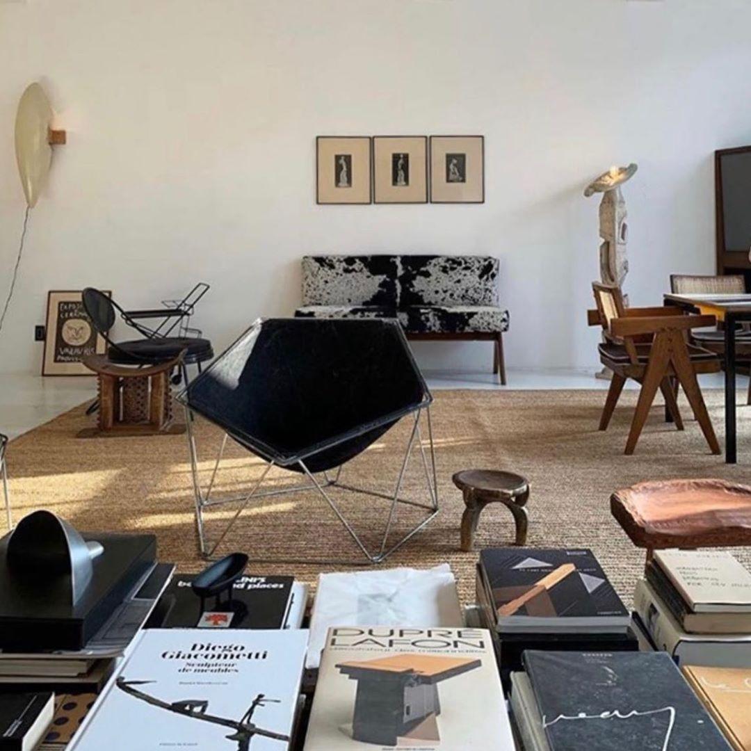 #heaven @michaelbargo #books #modernism #midcenturymodern #interiors #interiordesign #design #frenchmodernism #pierrejeanneret #homedecor…