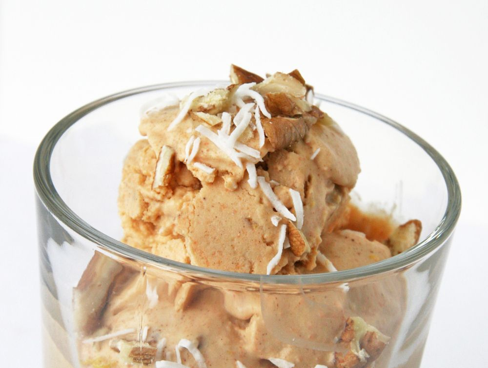 Carrot cake ice cream dairy free and fruitsweetened