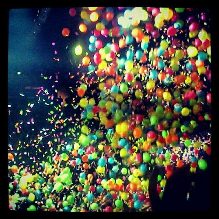 Phish Balloon Festival On New Years Eve Phish Balloon Festivals Balloons