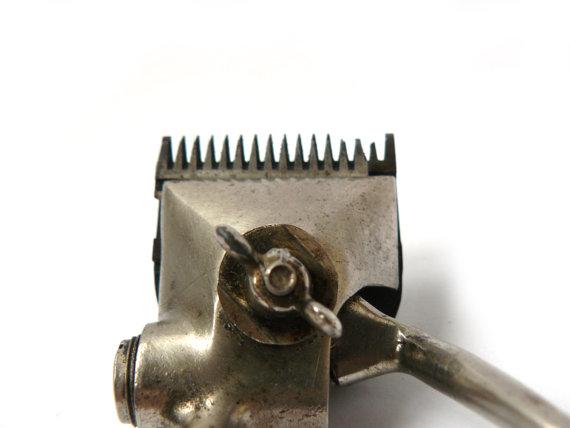 #Vintage Hair Cut Trimmer, Metal Trimmer,  Hair Dresser Tool, Hair Cutter,  Vintage Neck Shaver, Vintage Barber Hair Clipper, Barber Tool   new old Stoke USSR   Spring mecha... #etsy #vintage #gift #nostalgishop
