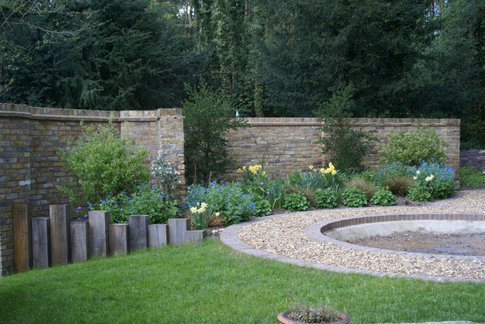 Photo of Firepit Garden – Good idea for the fire pit area. Smaller central circle would b…