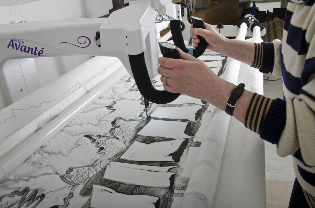 Pauline Burbidge quilting using the HQ18 Avante Photo: Brendan ... : hq18 avante quilting machine - Adamdwight.com