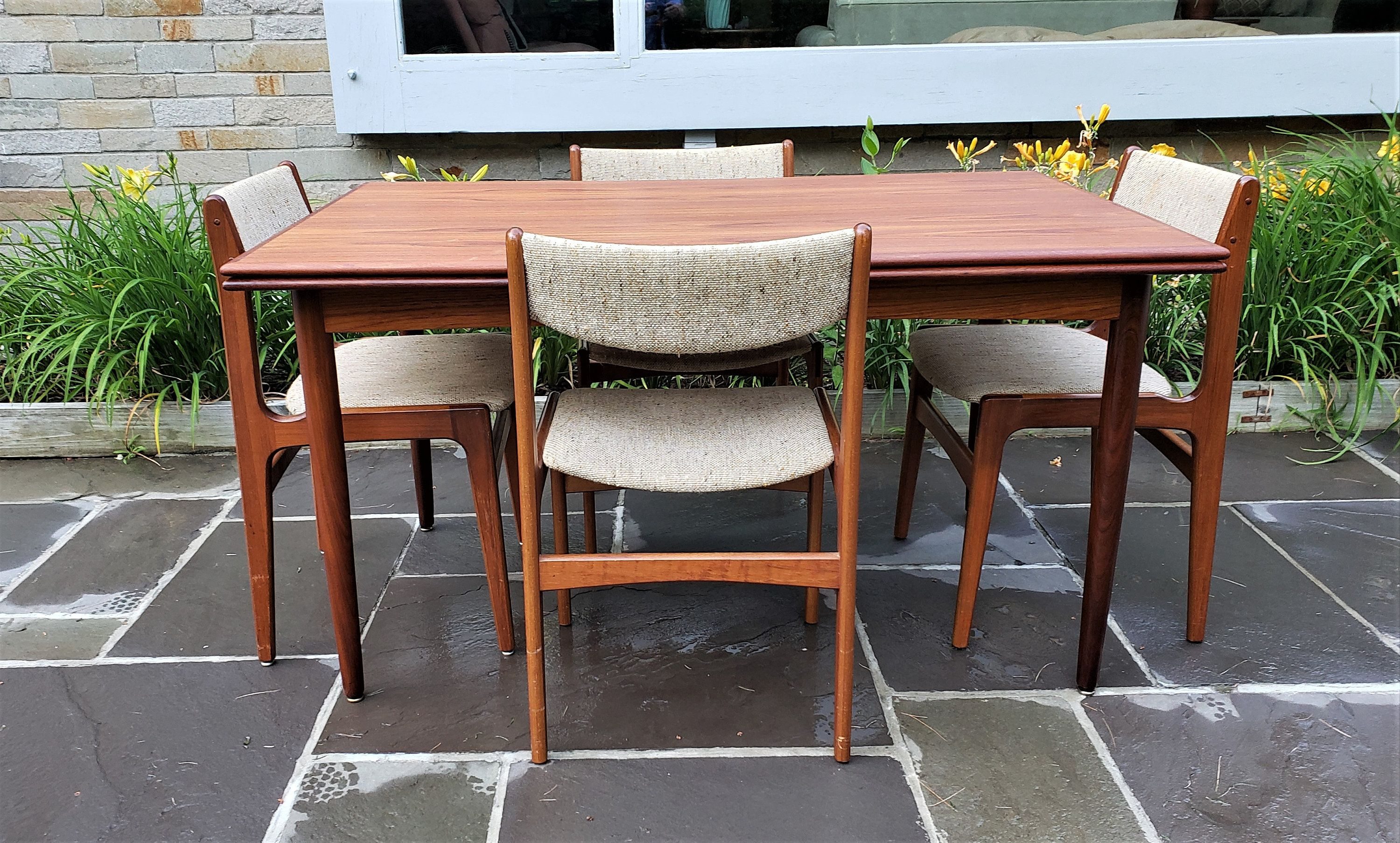 Mid Century Modern Danish Teak Dining Table And Chairs By D Scan Danish Dining Table Teak Dining Table Dining Table Chairs