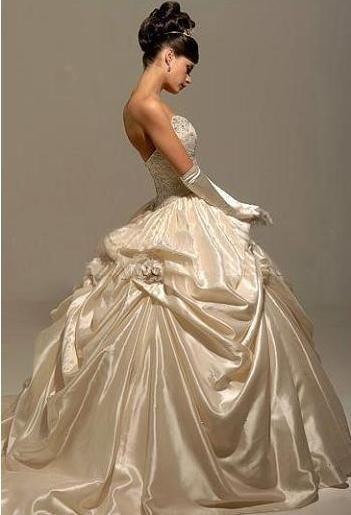 ac27db376dcc Exklusiva brudklänningar | wedding dresses | Antique wedding dresses ...