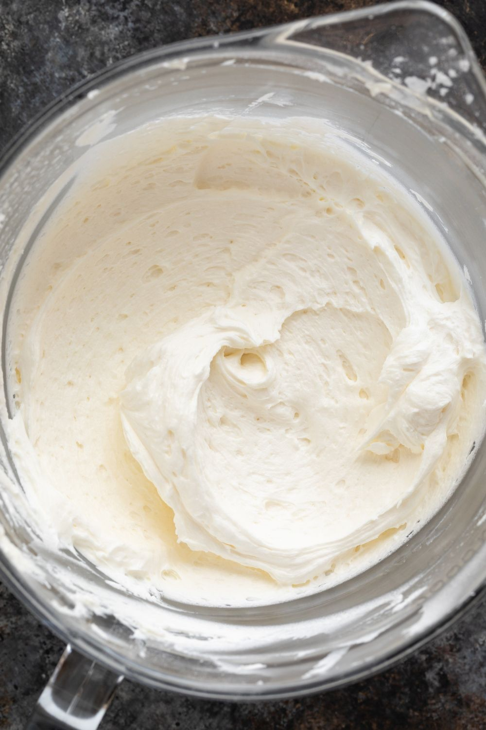The Best Vanilla Buttercream Frosting #simpleicingrecipe
