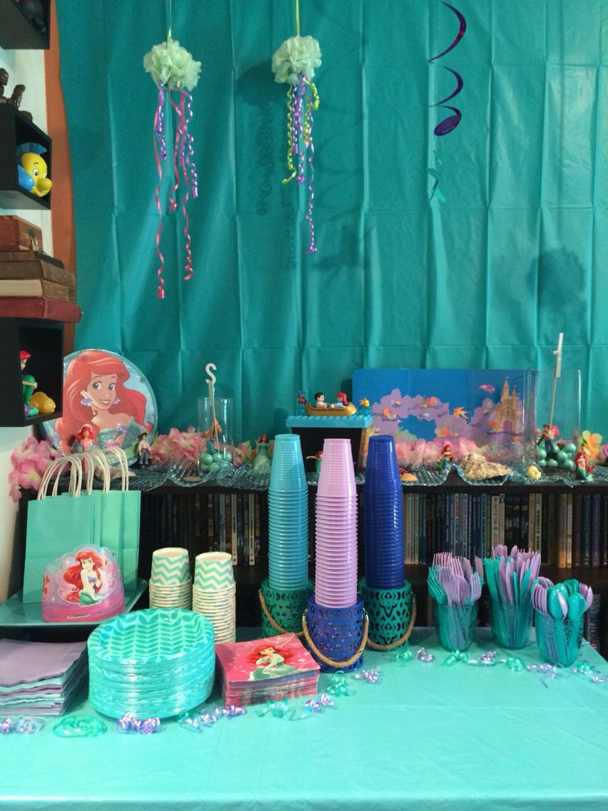 Disney 39 s the little mermaid girl 39 s birthday party for Ariel birthday party decoration ideas