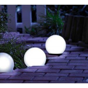 Sfera ad energia solare per illuminazione giardino ed