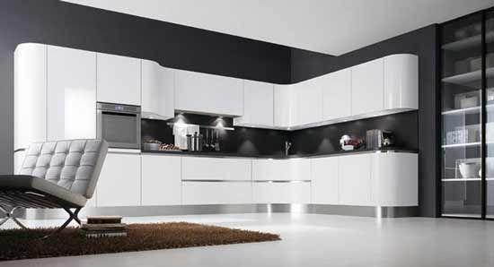 Imagen cocinas-blancas-amplias-y-luminosas-cocina-blanca-pared-negra