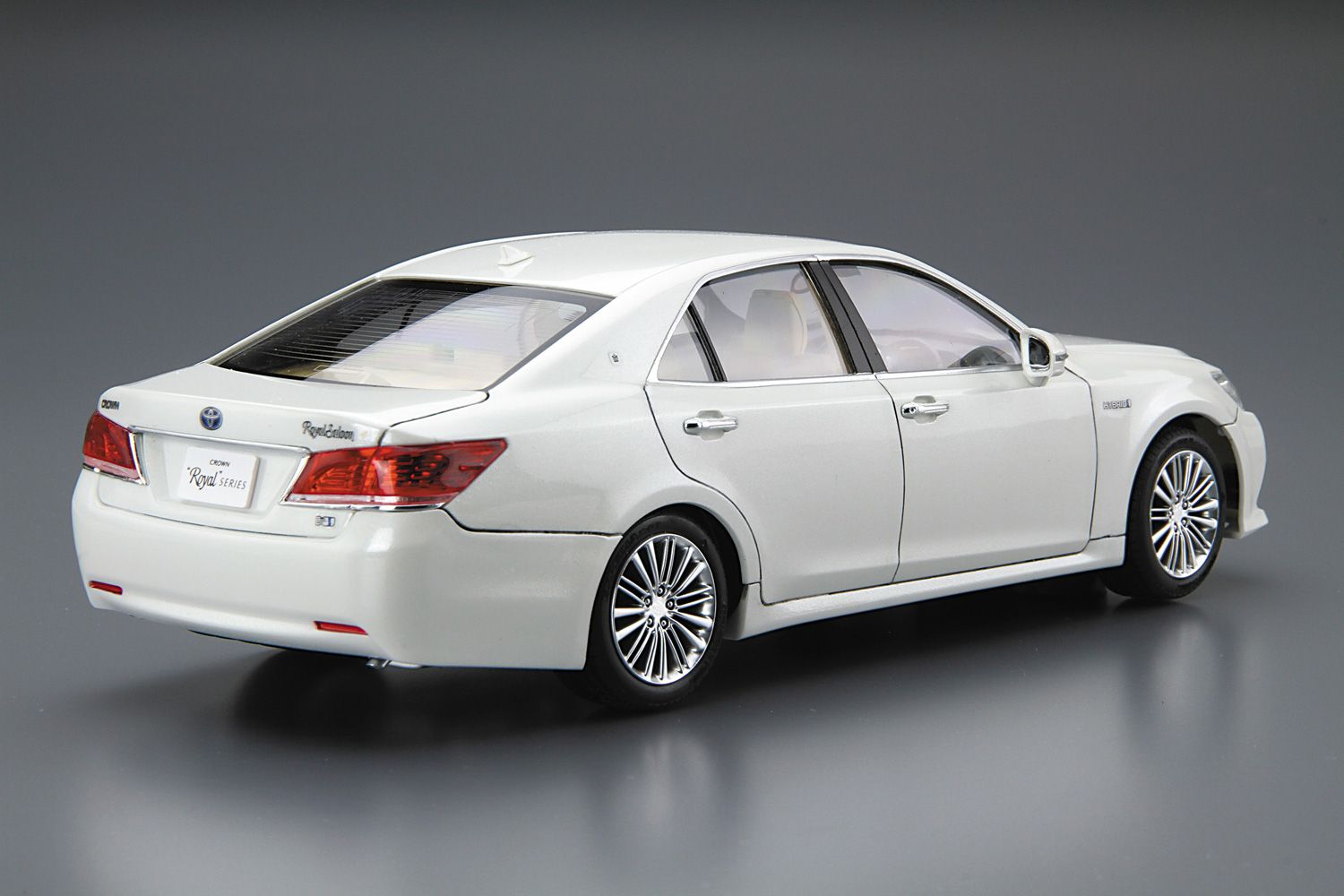 TOYOTA GRS210/AWS210CROWN HYBRID ROYALSALOON G 2015 (White Pearl Crystal  Shine)| · Toyota HybridToyota CrownAthleteCrowns