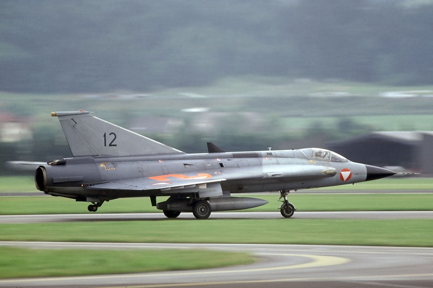 Austria was the last country to keep the Draken in military service. This was the last Austrian Air Force fighter plane with internal cannons for its lone air-to-air armament because of the restriction in the Austrian State Treaty of 1955.