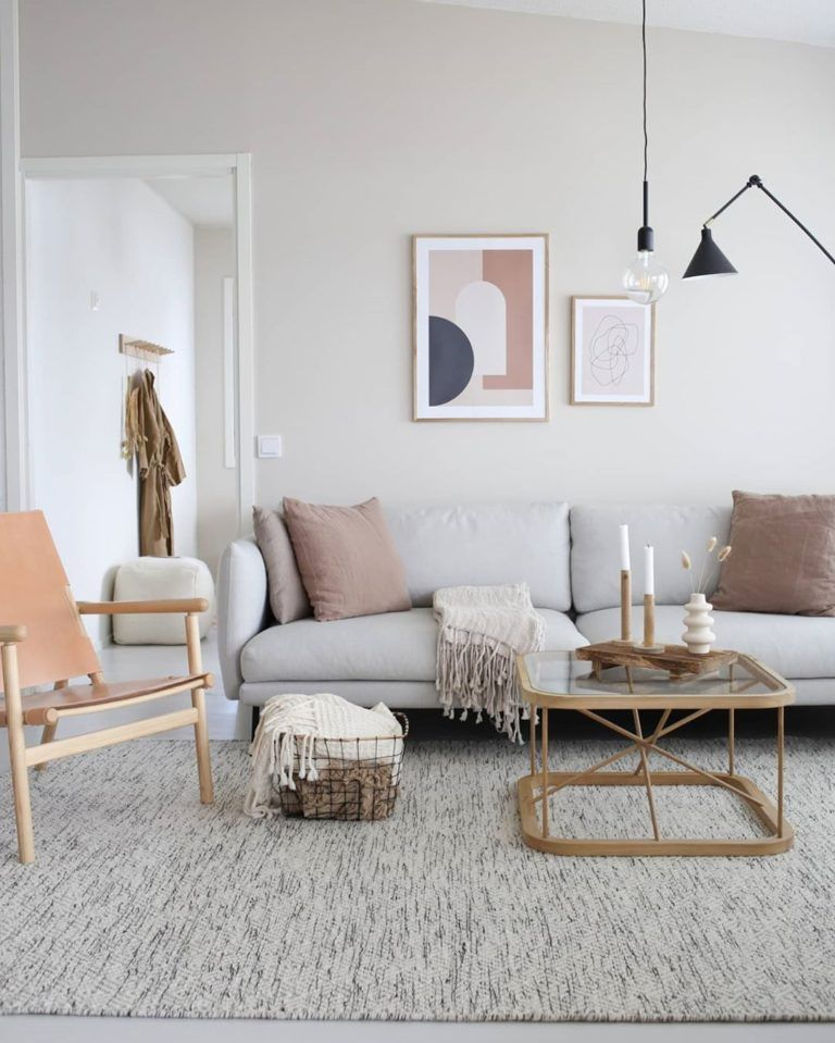 Rug And Neutral Tones Modern Lake House Interior Architecture Design House Design