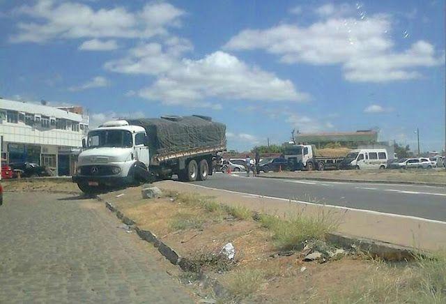Blog Paulo Benjeri Notícias: Acidente com caminhão deixa trânsito lento na regi...
