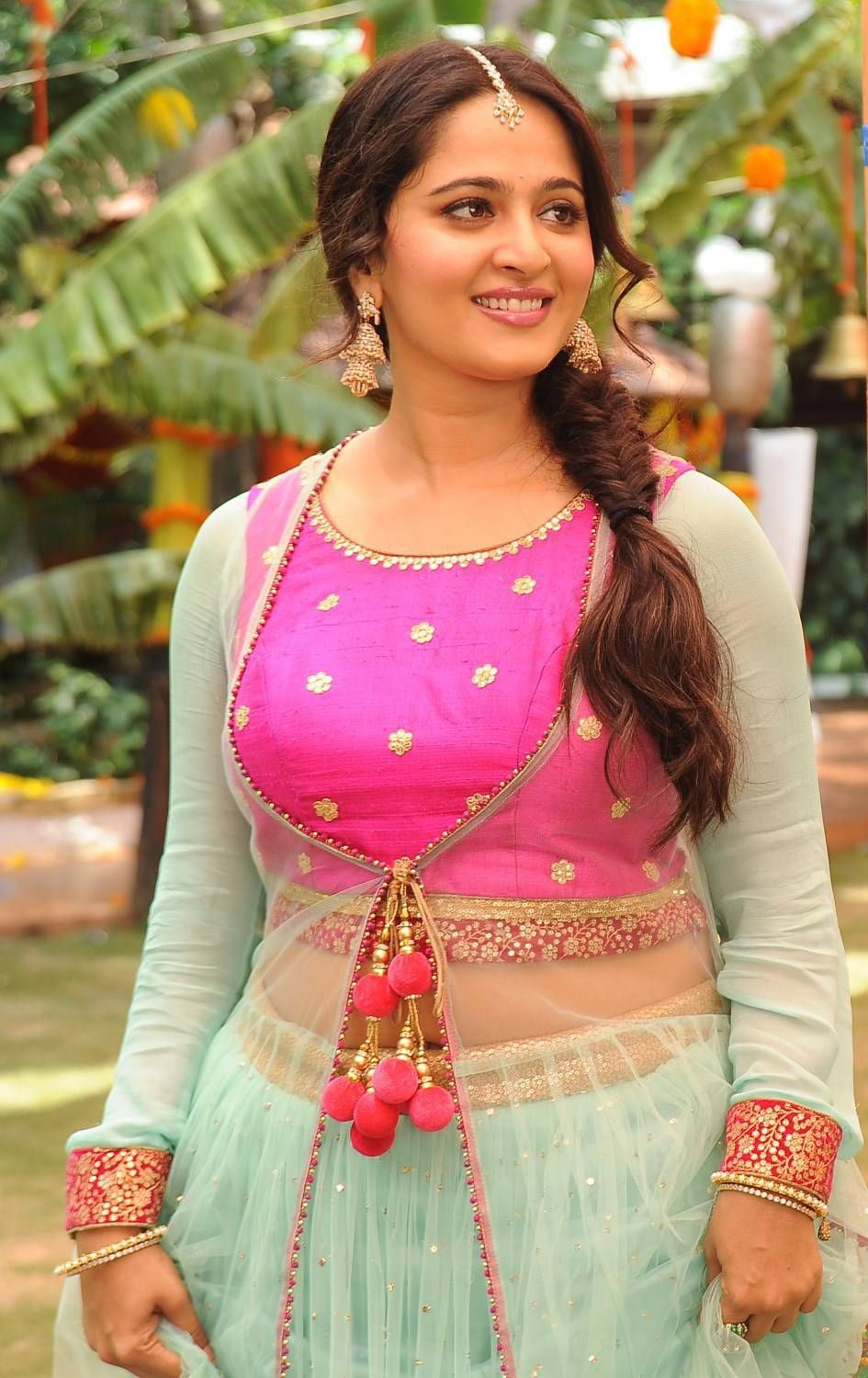 anushka shetty prabhasanushka shetty 2016, anushka shetty wiki, anushka shetty image, anushka shetty filmography, anushka shetty husband photos, anushka shetty hamara photos, anushka shetty wikipedia, anushka shetty film, anushka shetty and sonakshi sinha, anushka shetty hairstyle name, anushka shetty prabhas