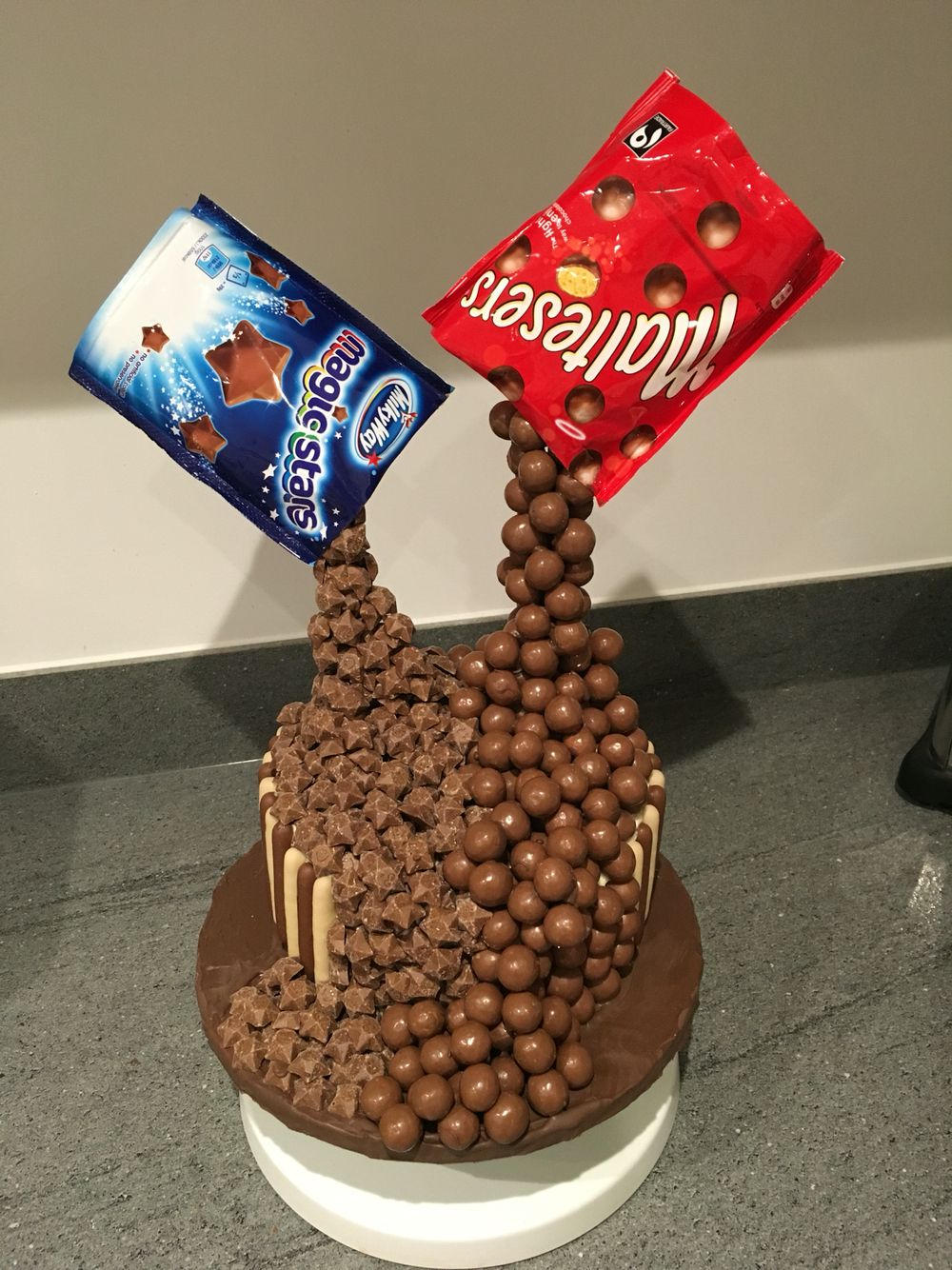 Anti gravity cake - took a lot of willpower not to eat as I went on this one! #gravitycake