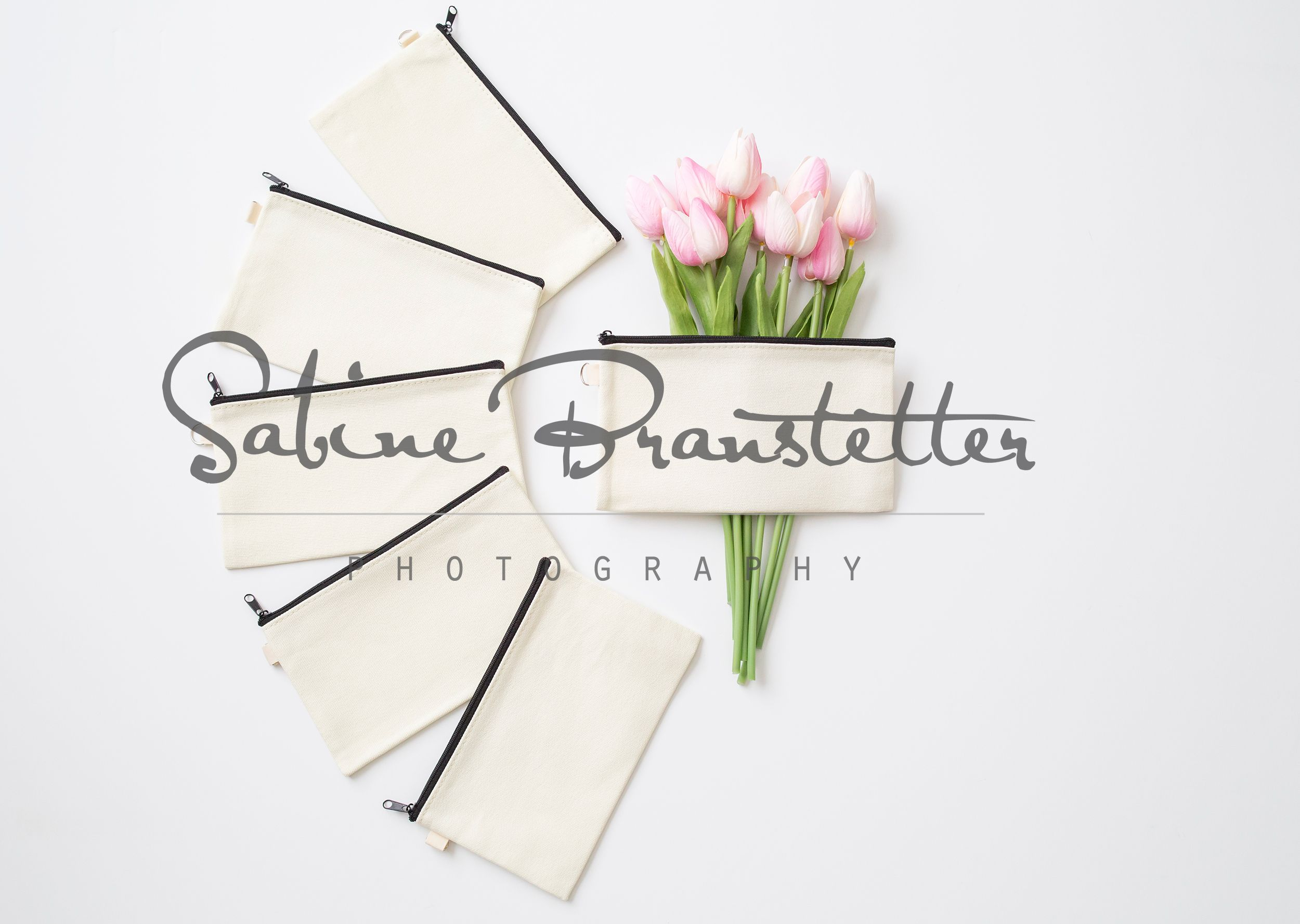 Download Styled Stock Photography Pretty Bride Mockup Digital File Bride And Bridesmaides Makeup Bag Cosmetic Bag Mockup Styled Stock Photography Free Psd Mockups Templates Mockup Free Psd