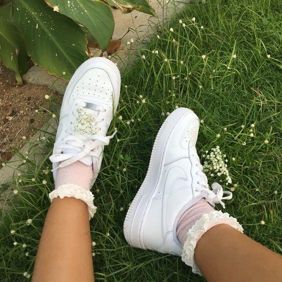 46b0719f65a6 white sneakers