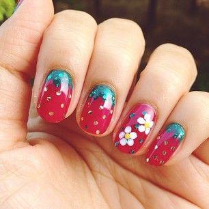 Instagram photo by dingyun0402 - Strawberry Nails inspired by @paintedpolishbylexi 실제로 보면 더 예쁜데.  네일 사진 찍는 건 언제나 어렵네  #selfnail #nails #...
