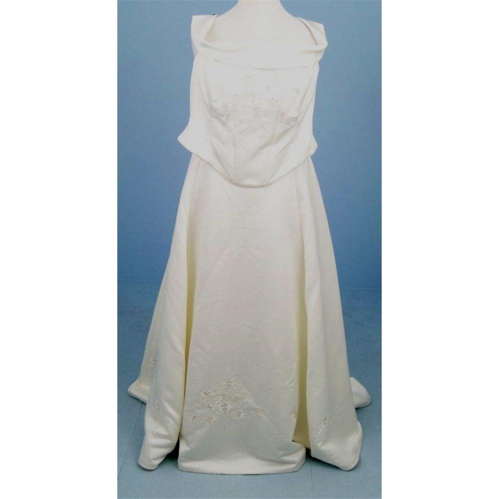 Pronuptia - Size: XXXL- Ivory - Two-piece wedding dress | Oxfam GB ...