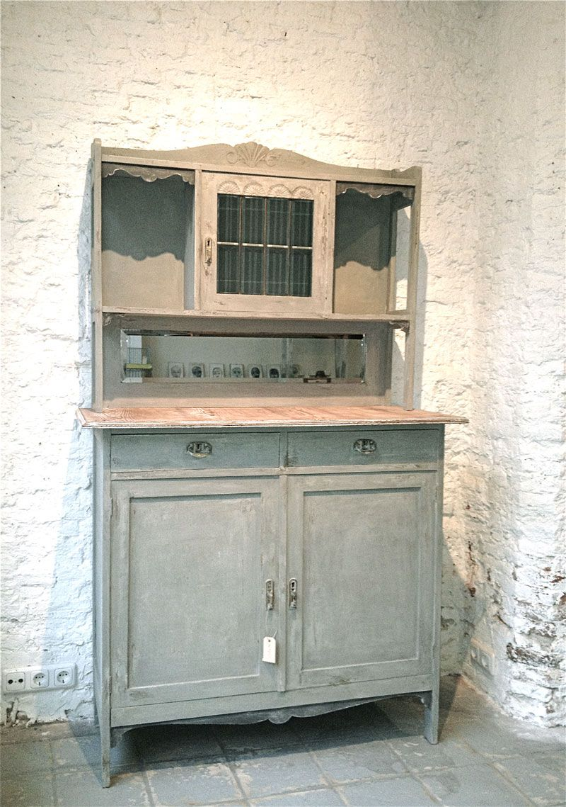 Kitchen Buffet In Grey With A Tone Of Olivegreen The Top Was Totally Wasted So I Took Off The Venire And Now It S Rough And Tough Looking Chalk Painted Kuche