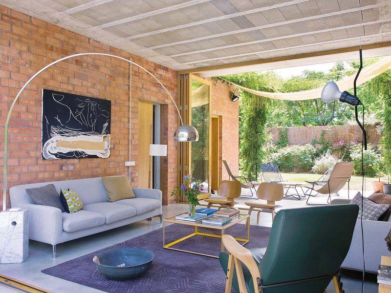 Una casa con espacios abiertos que miran al exterior ambientes espacios abiertos espacio y Decoracion espacios abiertos
