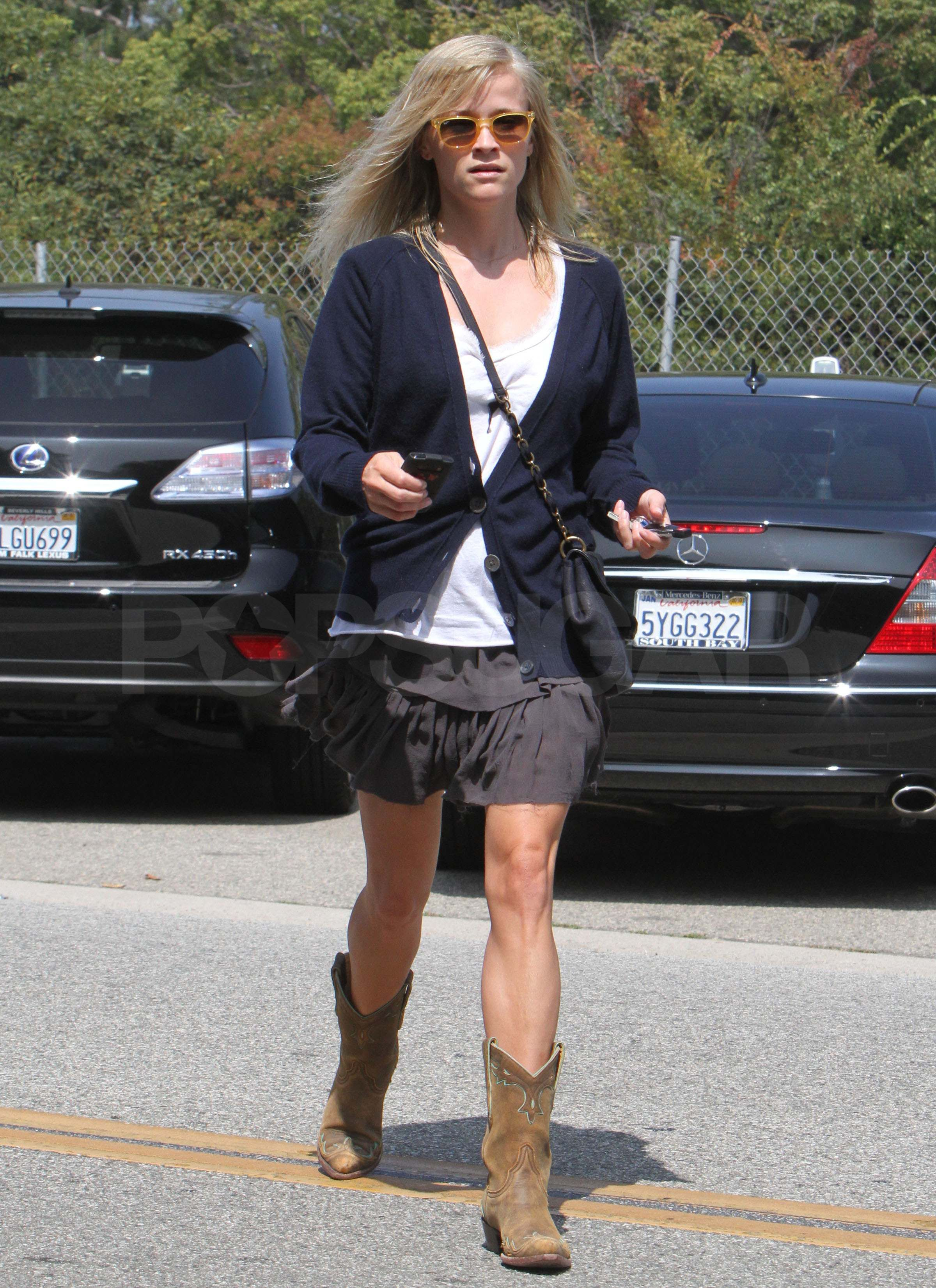 Fantastic Celebrities Wearing Cowboy Boots
