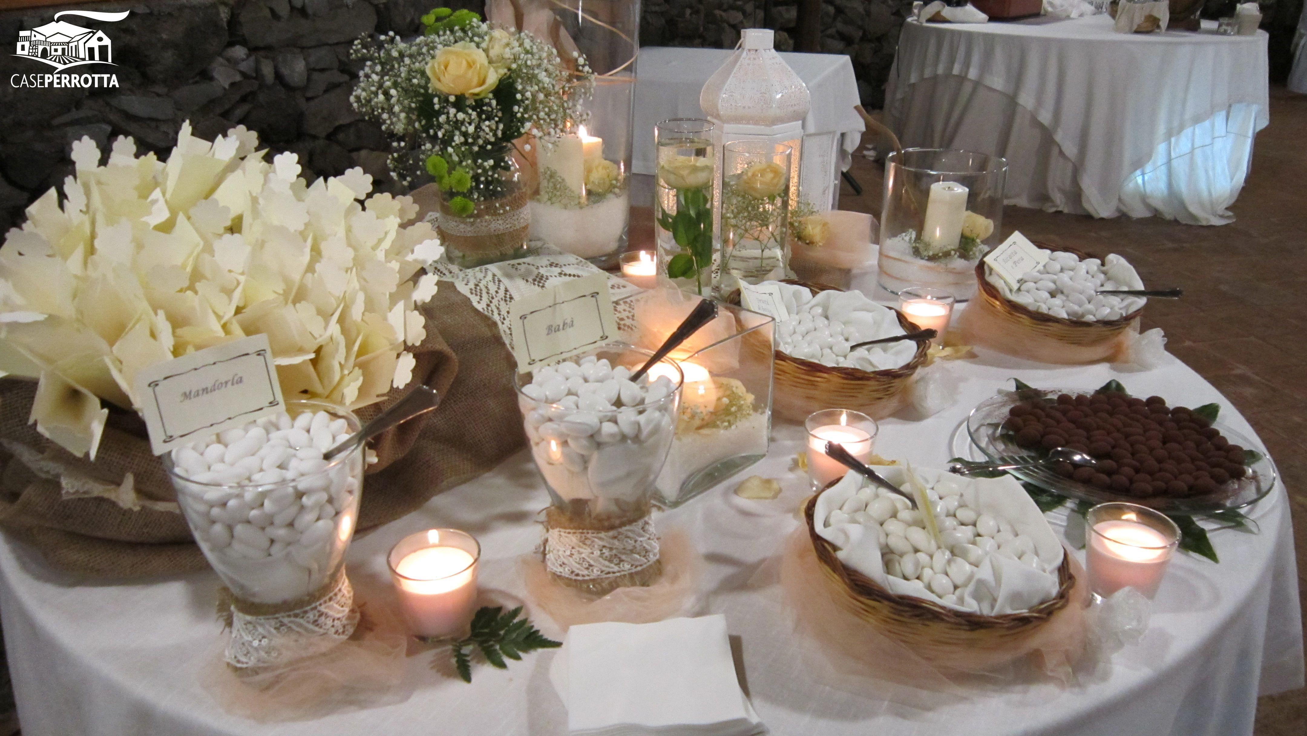 Confettata Matrimonio Country Chic : Allestimento confettata con rose e confetti tartufati al