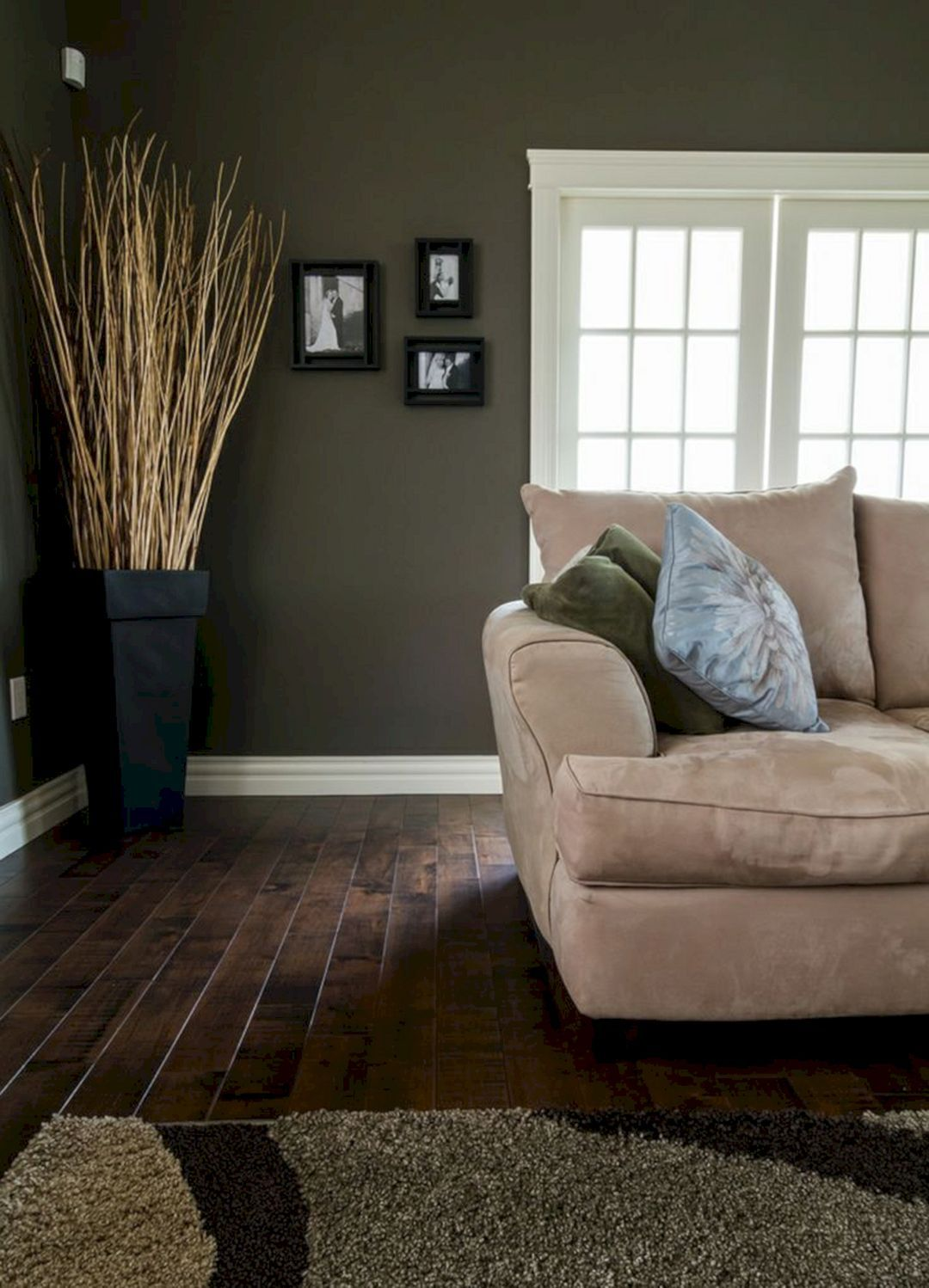 25 Gorgeous Living Room With Dark Wood Floors Ideas Fres