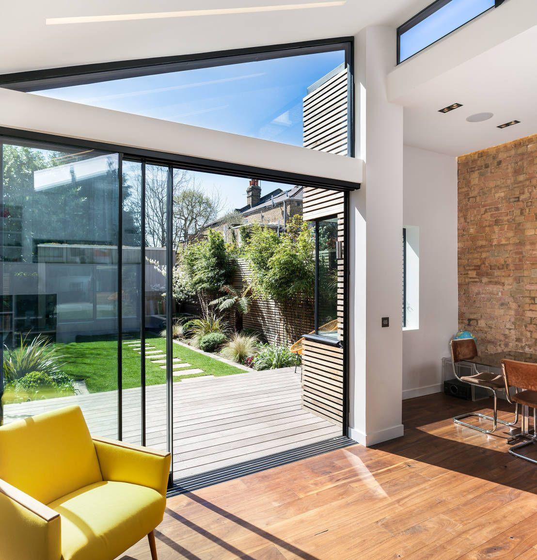 moderne fenster im wohnzimmer : Doppelhaush Lfte Mit Gl Sernem Meisterwerk Doppelhaush Lfte