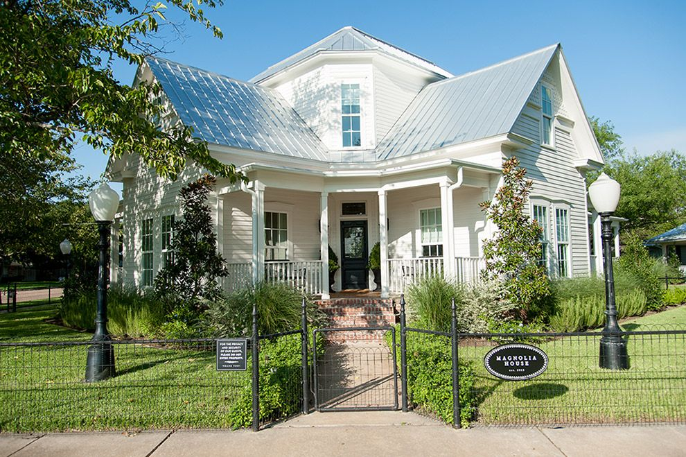 Stay Vacation Rentals Designed By Joanna Gaines Magnolia Bed