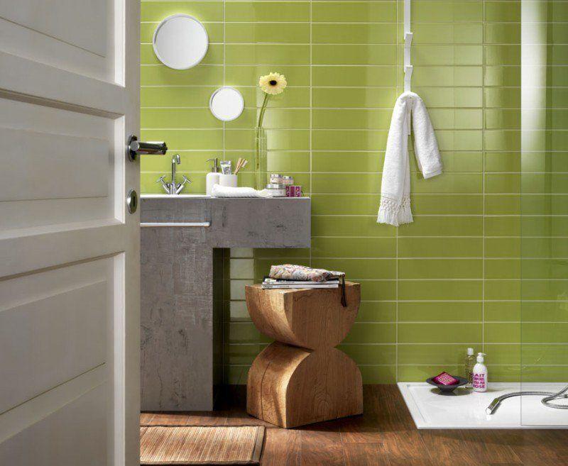 Salle de bain color e 55 meubles carrelage et peinture bath for Salle de bain coloree