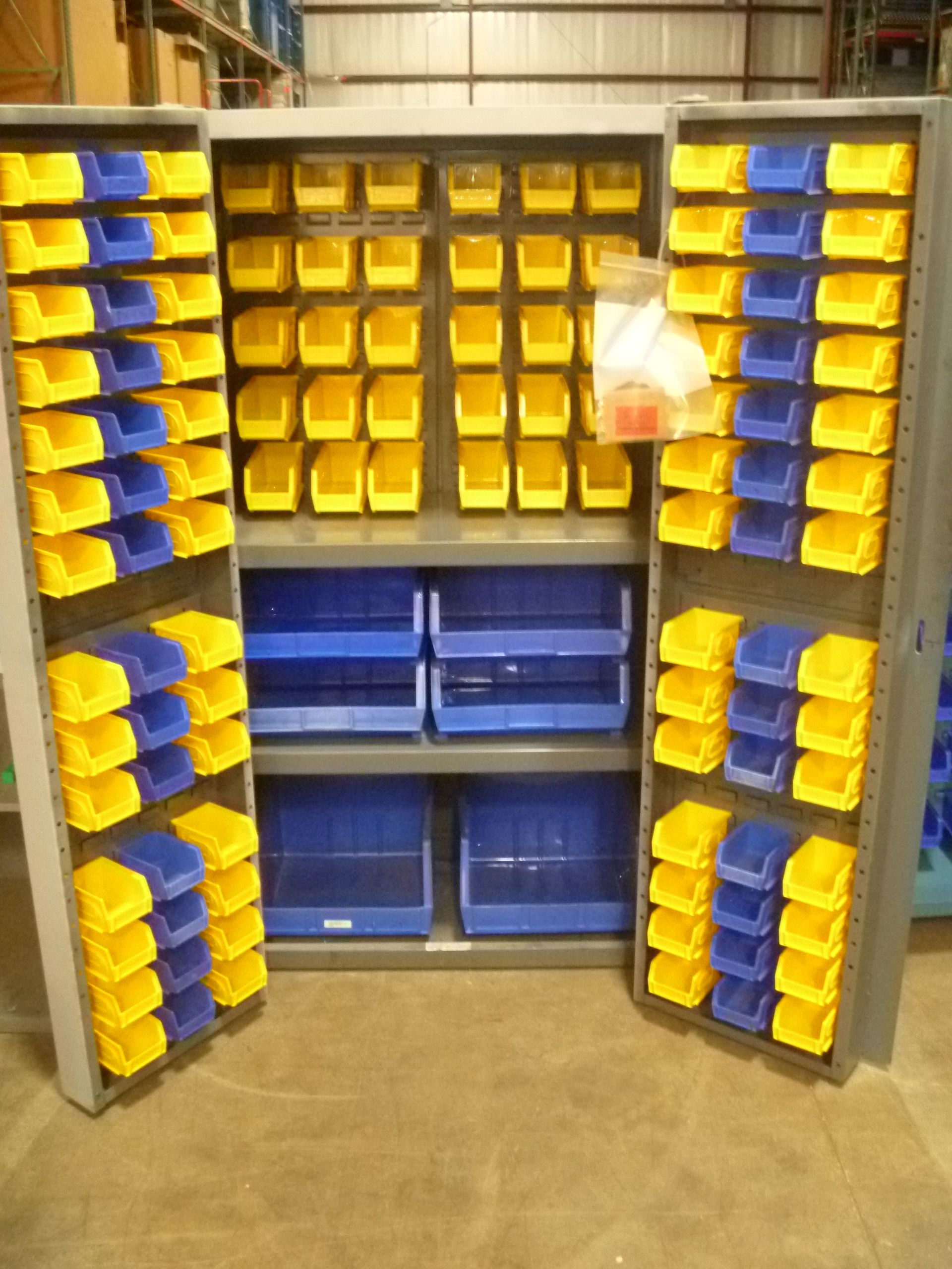 2 Door Hardware Storage Cabinet With 2 Shelves And 120