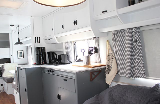 glamping statt einfach nur camping wohnwagen vorher. Black Bedroom Furniture Sets. Home Design Ideas