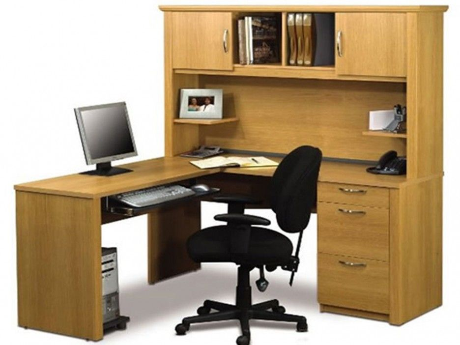 Stunning Home Office Computer Furniture Design Black Swivel Chair And Used Wooden Material Suitable For Modern