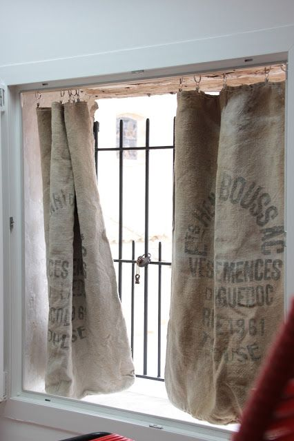 mes rideaux en jute homemade diy brico recycle pinterest curtains rustic curtains et. Black Bedroom Furniture Sets. Home Design Ideas