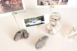 Proposons aux petites mains de transformer les petits trésors qu'ils trouvent lors de leur ballade en jolis porte-photo.