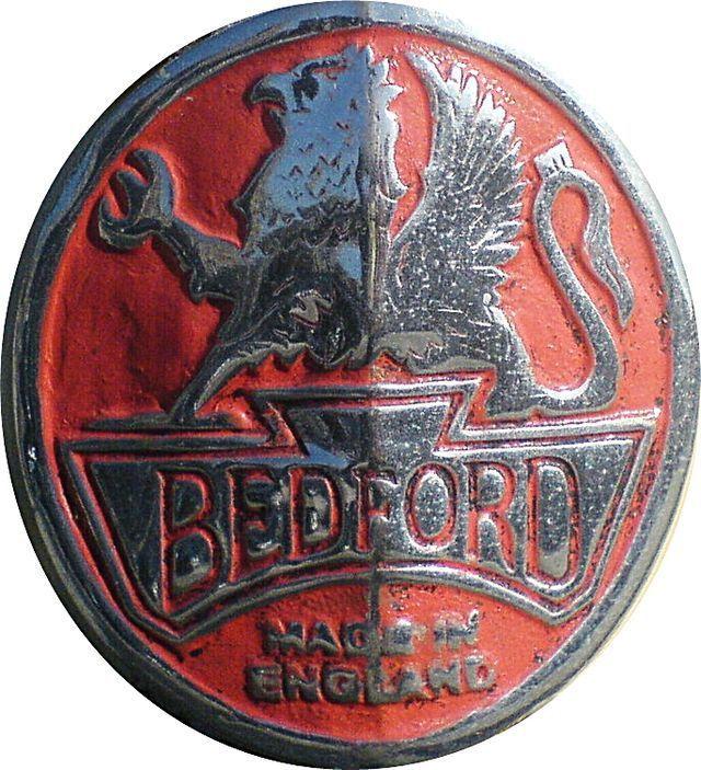 bedford-ambulance-crest.jpg (640×703)