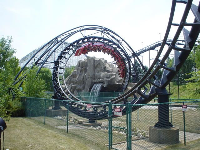 Demon Photo From Six Flags Great America Coasterbuzz Great America Roller Coaster Ride Roller Coaster