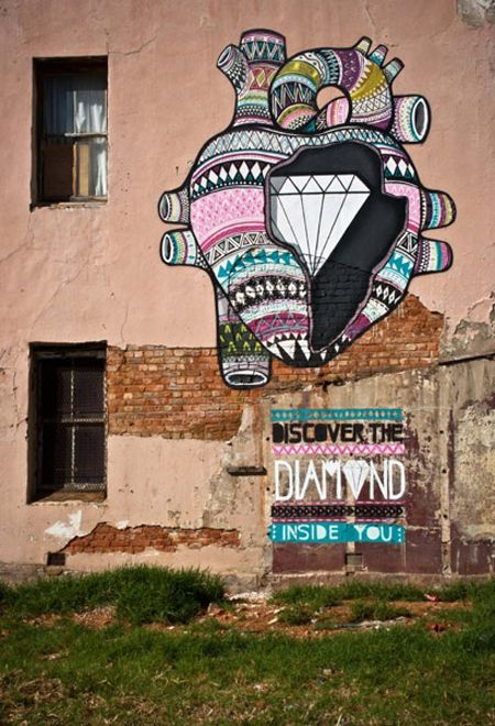 Diamonds street art project in South Africa by Boa Mistura.