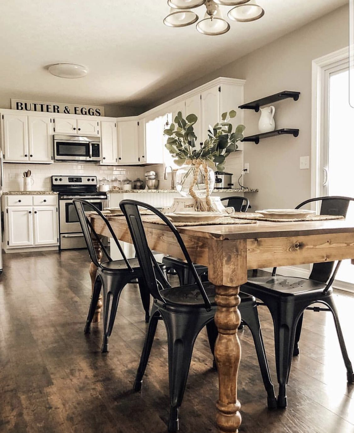 Download Wallpaper White Kitchen Farmhouse Chairs