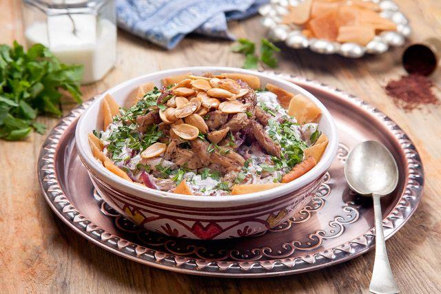 فتة مسخن Powered By Ultimaterecipe Recipes Lebanese Recipes Main Course Recipes