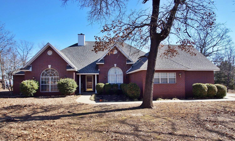 Home Near Lake & River! This 2790 SqFt home
