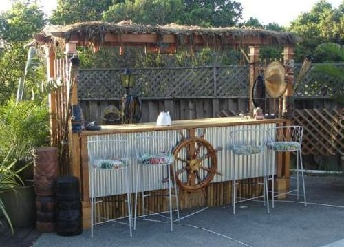 beach & tiki bar ideas