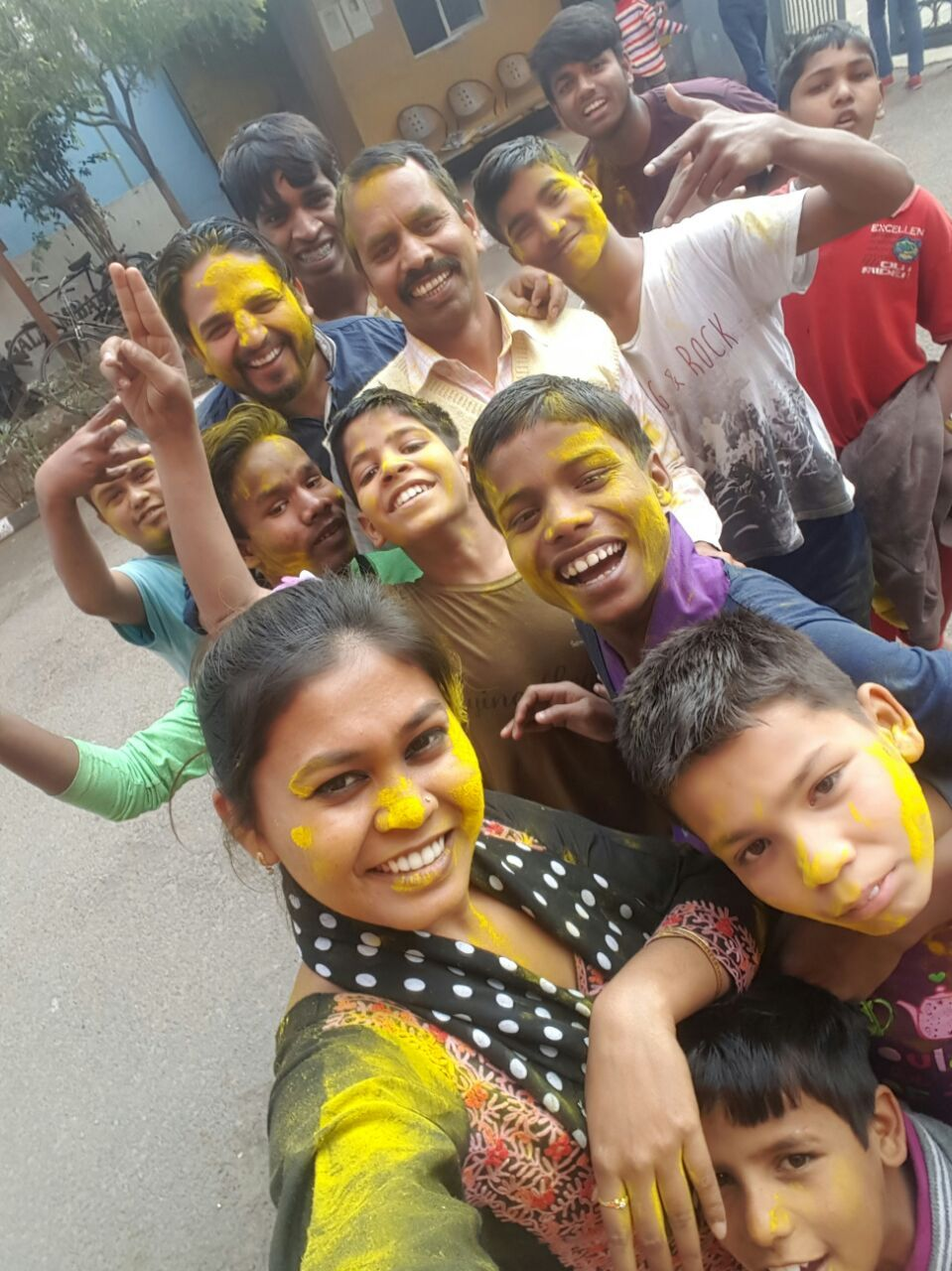 On the occasion of #Holi festival, the #Salaam_Baalak_Trust family got together and had a colourful celebration. The children had a fantastic full-filled day immersed in colours and laughter.
