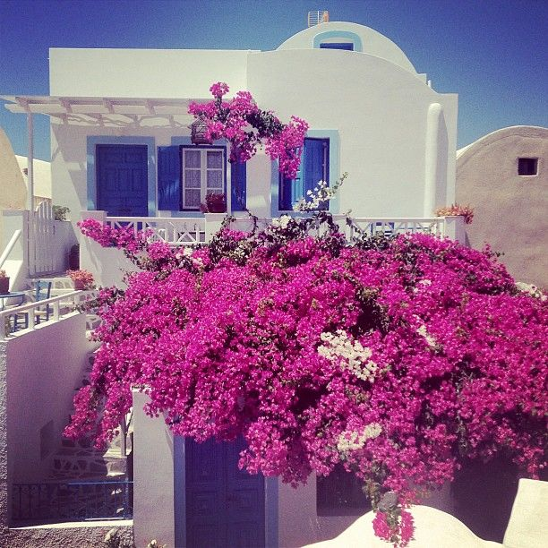 Oia, Santorini (via by tuulavintage Instagram)   Follow us on Instagram @Matty Chuah Stylephiles